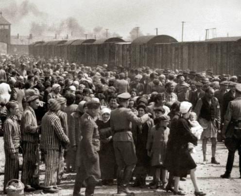 Redação Enem 2021: a banalização do Holocausto nos dias atuais e os efeitos na sociedade moderna