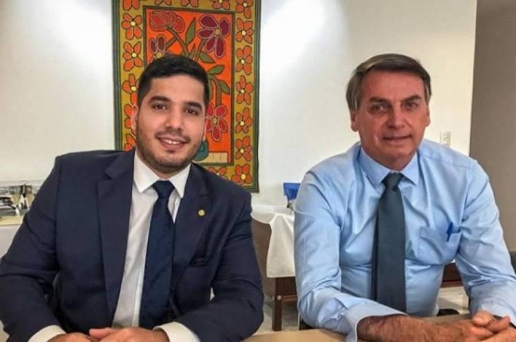 André Fernandes postou foto com o presidente, a quem chamou no Instagram de amigo
