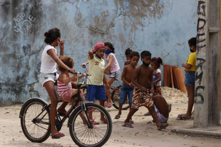 """A pandemia gerou impactos que não são sentidos da mesma forma nas diferentes partes da cidade, entre eles, a suspensão das atividades presenciais nas escolas, o que """"não é o mesmo que educação a distância (EAD)"""" (Foto: Fabio Lima)"""