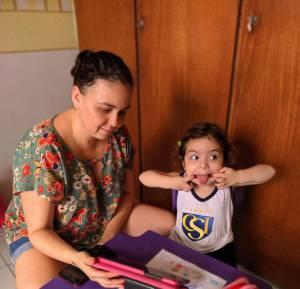 Mirella Pereira com a filha Cecília de 3 anos