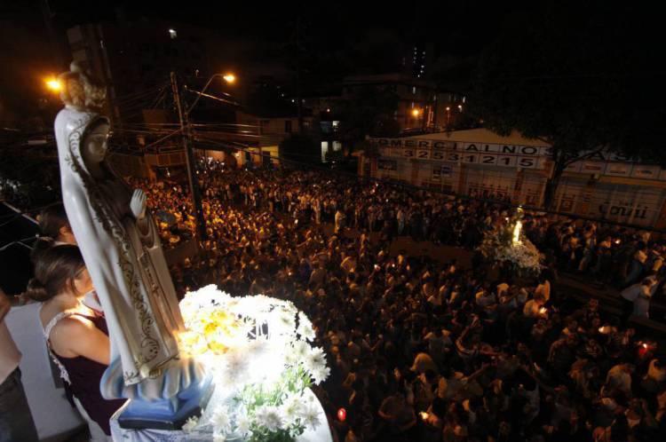 Procissão de Nossa Senhora de Fátima, saindo da Igreja do Rosário e chegando na Igreja de Fátima. Em 2020, as celebrações acontecerão apenas por transmissões ao vivo