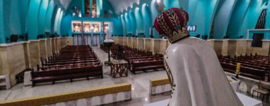 Devido à quarentena, tradicional missa realizada em 13 de maio aconteceu a portas fechadas (Foto: JÚLIO CAESAR)
