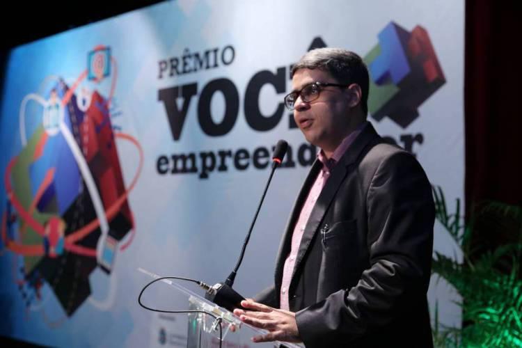 Rogério Barros, professor e coordenador do Escritório de Gestão, Empreendedorismo e Sustentabilidade (EGES) da Unifor (Foto: Divulgação/Unifor)