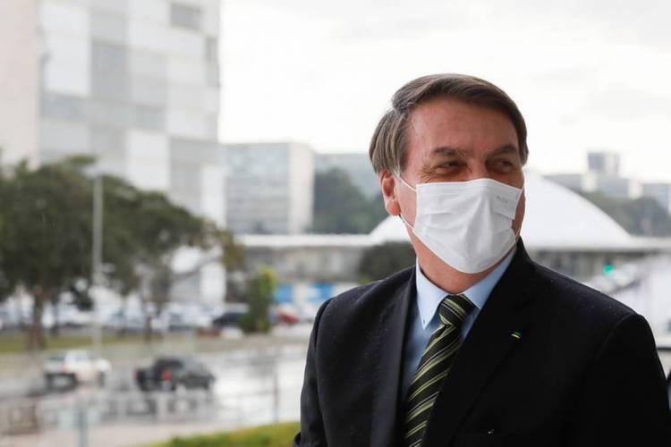 "Presidente disse que pode tirar a dúvida de ""alguns"" que acham que ele já foi infectado (Foto: Isac Nóbrega/PR)"