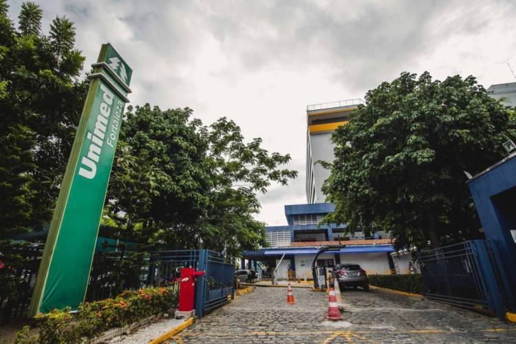 FORTALEZA, CE, BRASIL, 14-05-2020: Fachada do HRU (Hospital Regional da Unimed), em epoca de COVID-19. (Foto: Aurelio Alves/O POVO) (Foto: Aurelio Alves/O POVO)