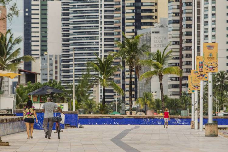FORTALEZA, CE, BRASIL, 14-05-2020: Orla de Fortaleza, Praia de Iracema, em epocas de COVID-19. (Foto: Aurelio Alves/O POVO) (Foto: Aurelio Alves/O POVO)