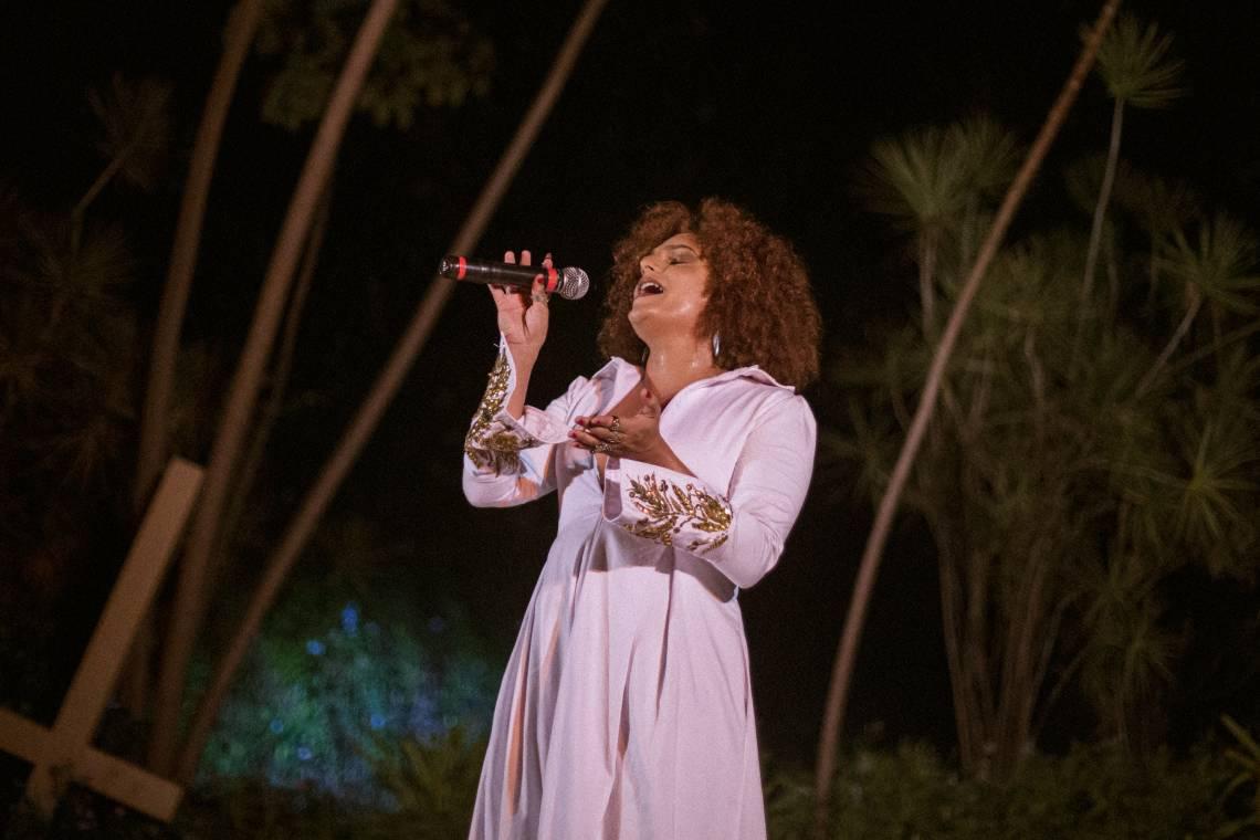 A cantora Yara Canta é uma das participantes da Terra Prometida, grupo formado por artistas trans e travestis