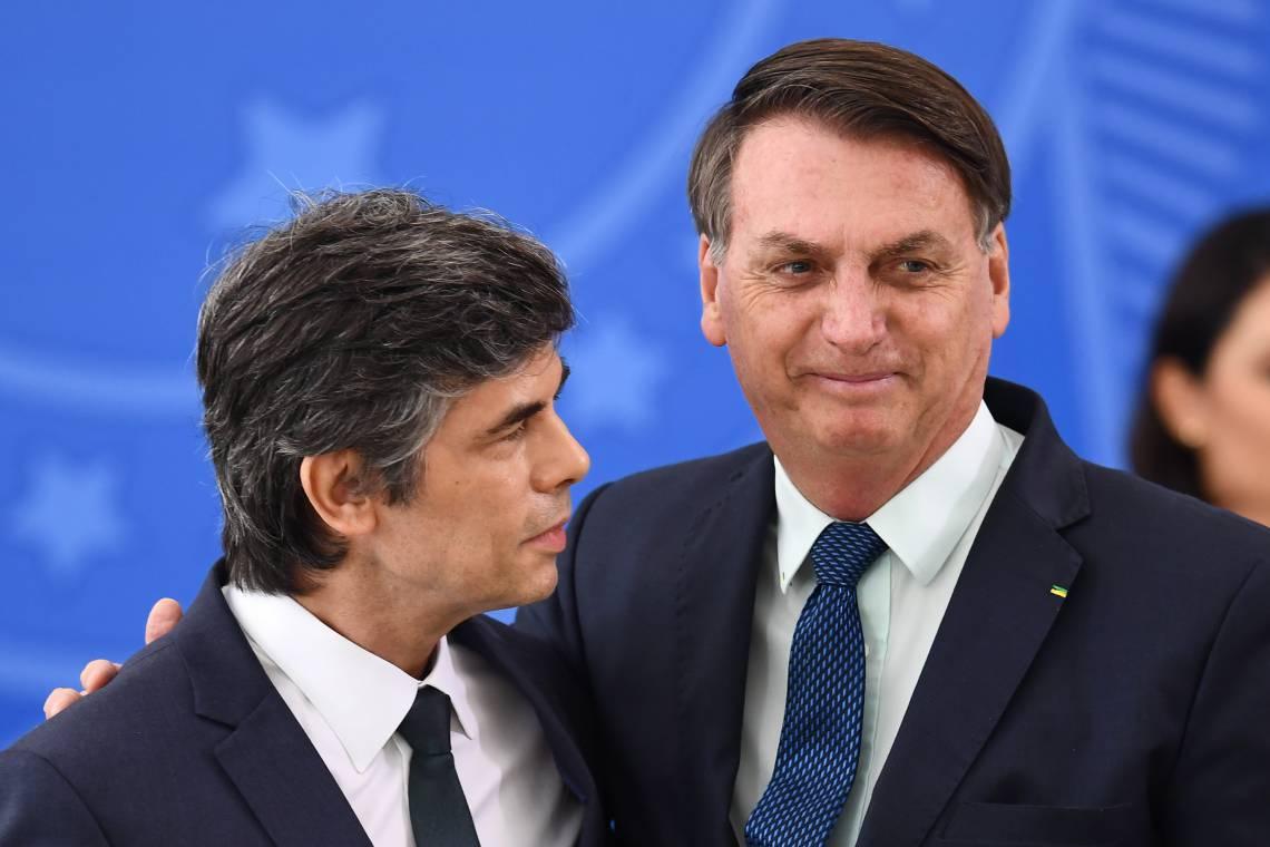 Por que Bolsonaro tanto insiste com cloroquina?