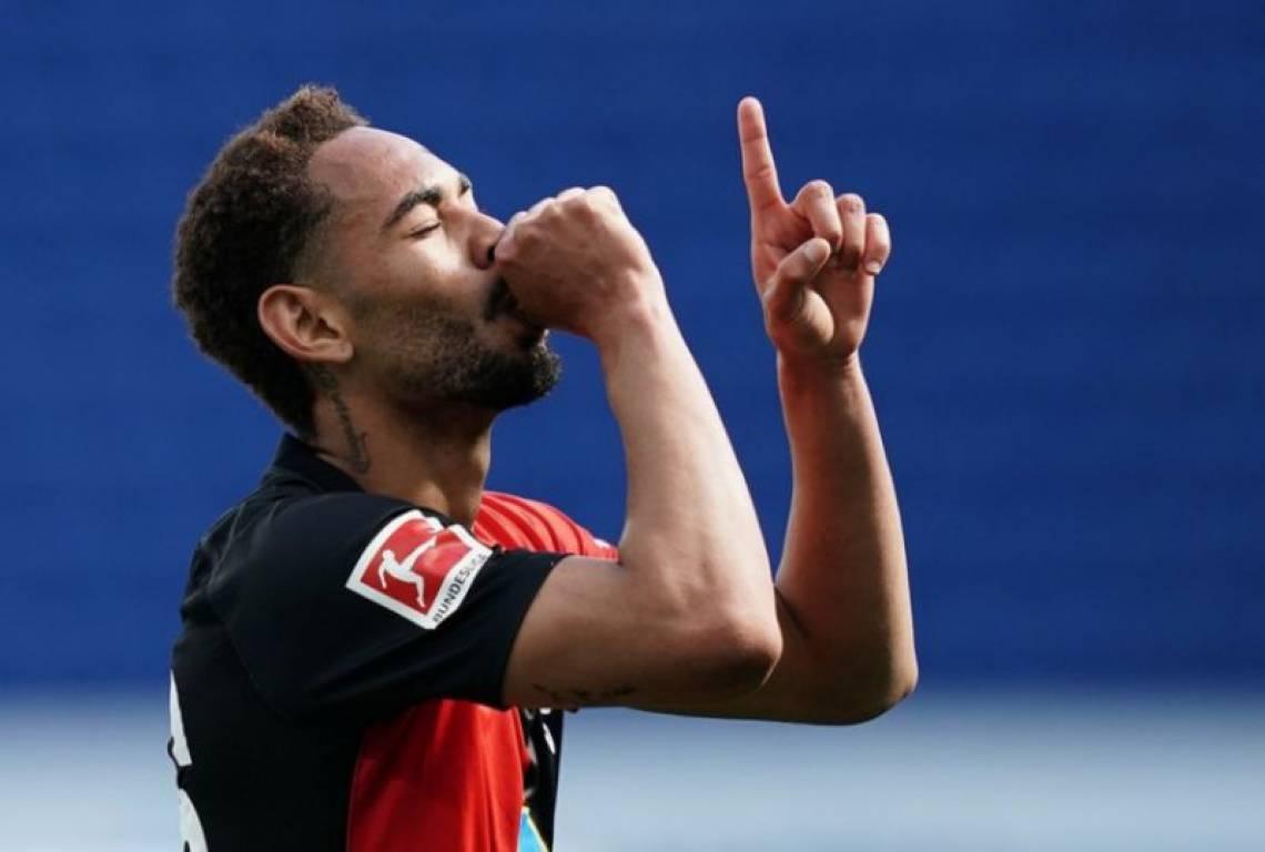 Matheus Cunha, de 20 anos, fez um belo gol pelo Hertha Berlim
