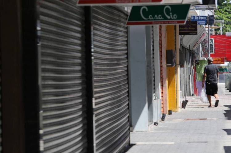 FORTALEZA, CE, BRASIL, 18.05.2020: lojas fechadas no centro de Fortaleza durante Lockdown. (Fotos: Fabio Lima/O POVO)