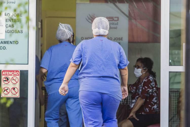 O Ceará chegou a 313.761 casos confirmados e 9.772 mortes pela Covid-19 nesta quinta-feira, 10 de dezembro (10/12) (Foto: Aurelio Alves/O POVO)