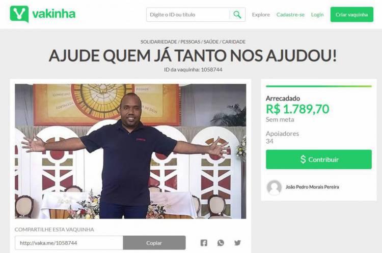 Na foto, Francisco Maciel da Silva, 36 anos, ex-funcionário do colégio. Com a saída dele, alunos começaram a se mobilizar para no intuito de arrecadar doações para os colaboradores demitidos