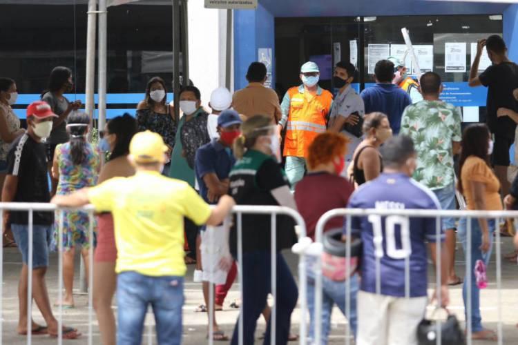 Pagamento do auxÍlio emergencial na Caixa Econômica (Foto: Fabio Lima/O POVO) (Foto: FÁBIO LIMA)