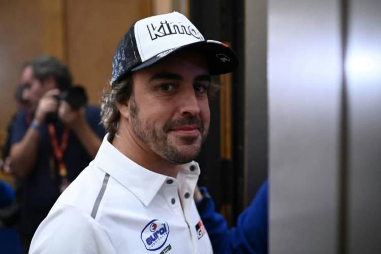 Fernando Alonso correu pela McLaren em sua última temporada na F1  (Foto: AFP)