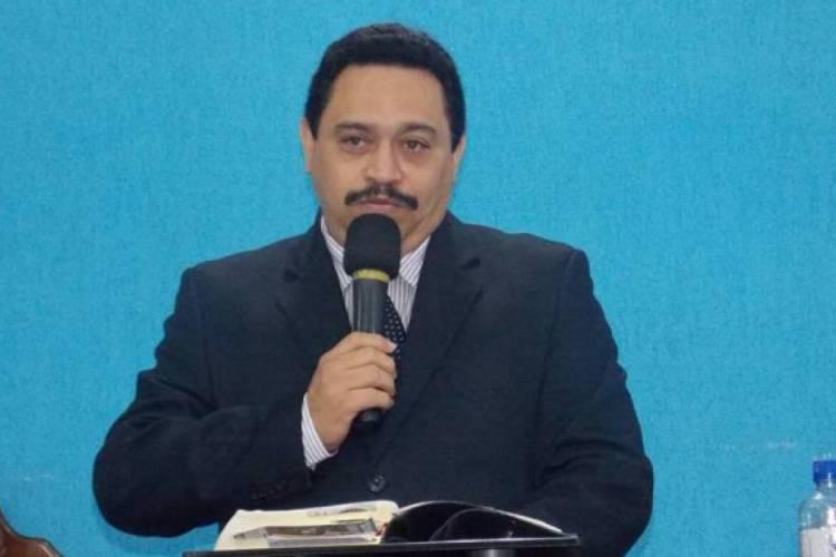 Pastor Neto Nunes foi candidato a prefeito de Fortaleza em 2008, ficando conhecido pelo slogan
