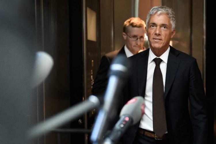 Lauber é alvo de ação por ter se reunido com Infantino, presidente da Fifa, apesar de estar encarregado por investigar escândalos de corrupção da entidade (Foto: Fabrice COFFRINI / AFP)