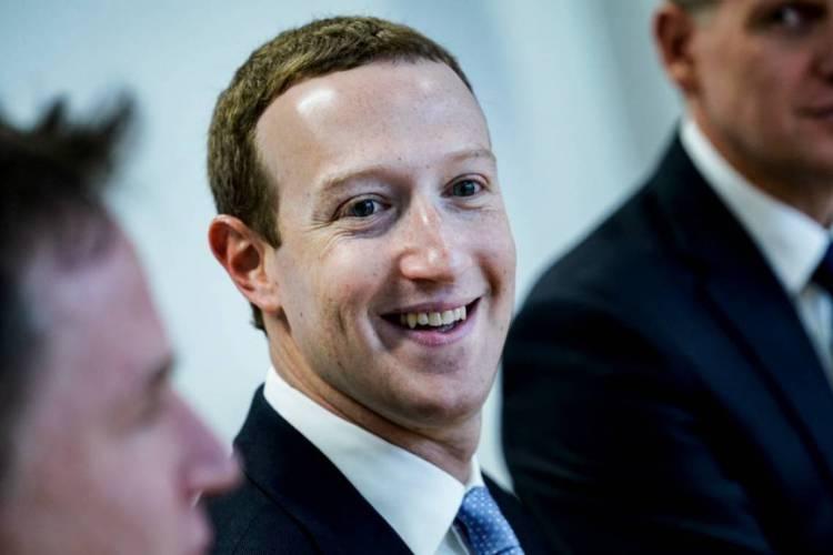 Zuckerberg apresentou a novidade sobre trabalho remoto em conferência com funcionários (Foto: Kenzo Tribouillard / AFP)
