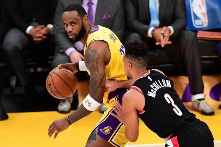 Lakers de LeBron James é um dos times que concorrem ao título nesta temporada  (Foto: AFP)