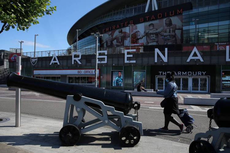 Premier League está suspensa desde o dia 13 de março (Foto: ISABEL INFANTES / AFP)