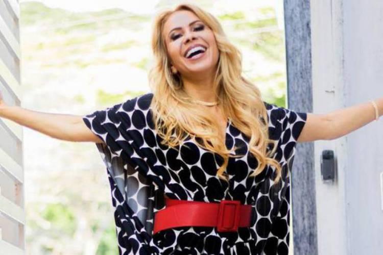 Acompanhe a agenda de transmissões ao vivo online - live - de artistas nacionais e internacionais para hoje, quarta-feira, 27 de maio (27/05); cantora Joelma é uma das atrações da noite (Foto: Divulgação)