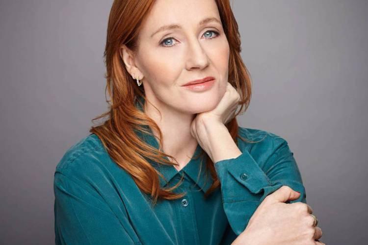 Com o desejo de que os pequenos leitores se envolvam com a história à medida que ela se desenrola, J.K. Rowling está convidando as crianças de 7 a 12 anos de cada país para ilustrar seu novo livro. (Foto: Reprodução/Facebook/J.K. Rowling)