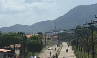 As imagens mostram o local do crime  (Foto: via WhatsApp O POVO )
