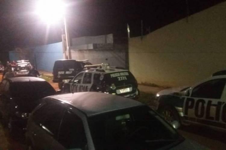 Por volta das 22h30min, policiais militares foram acionados ao local, via Coordenadoria Integrada de Operações de Segurança (Ciops). (Foto: Via WhatsApp O POVO)
