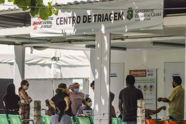 Hospital Geral de Fortaleza. Centro de triagem para o hospital de campanha (Foto: Aurelio Alves/O POVO)
