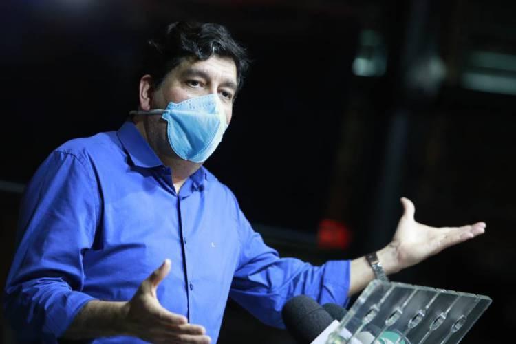 Secretário da Saúde diz que regras de isolamento social permanecem como estão, mesmo com a reabertura de alguns setores da economia (Foto: FCO FONTENELE)