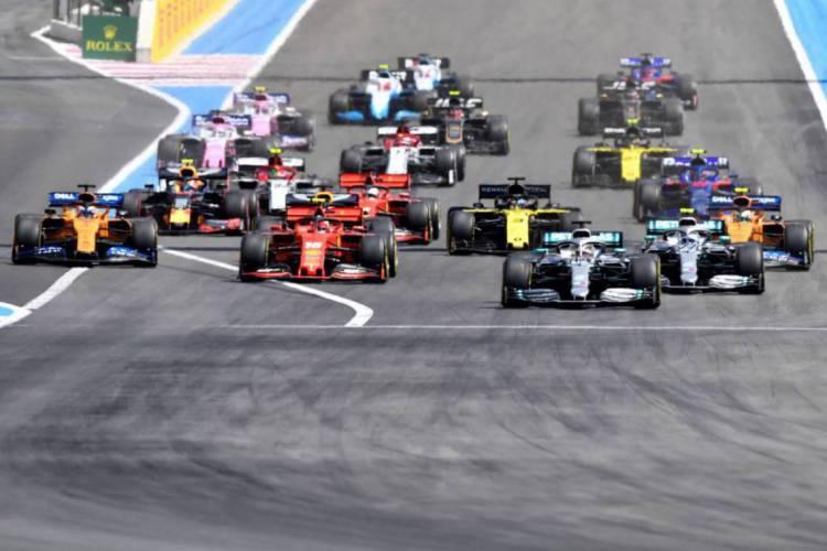Os organizadores do Campeonato Mundial de Fórmula 1 mantêm o desejo de concluir entre 15 a 18 provas, das 22 programadas no planejamento inicial. (Foto: Gerard Julien/AFP)
