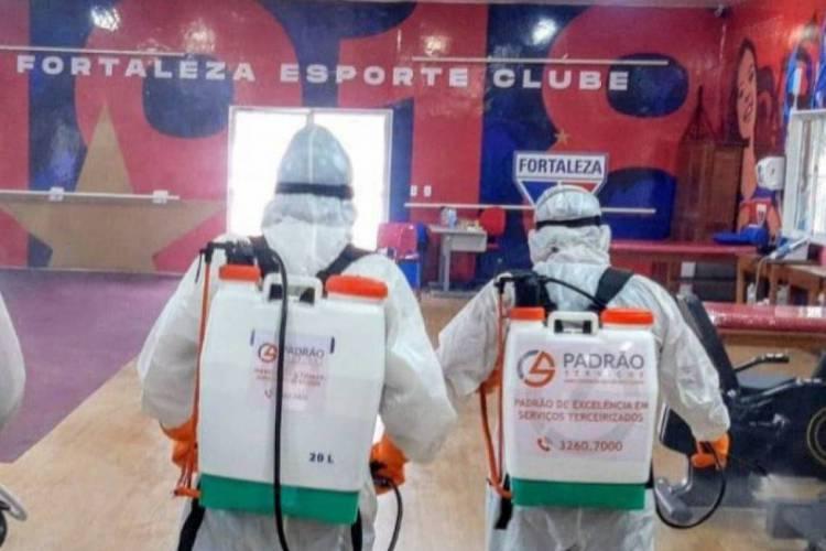 Ambientes fechados e abertos foram desinfectados pelos profissionais  (Foto: Divulgação/Fortaleza EC)