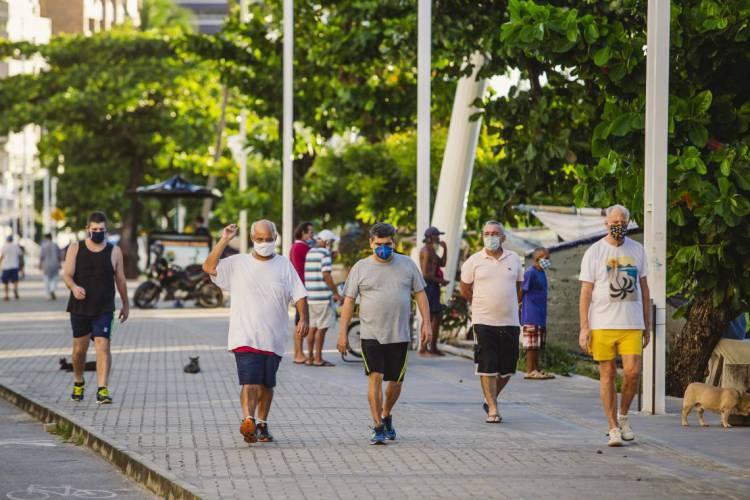 Na Capital, redução da taxa de contágio pode significar a interrupção de cadeia de transmissão, mas também pode corresponder a um atraso na notificação. (Foto: Aurelio Alves/O POVO)
