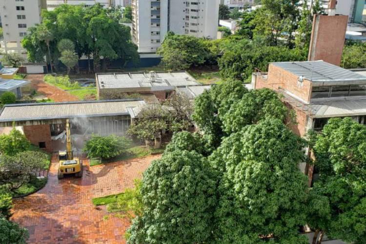 Conjunto arquitetônico é um marco na Capital, mas teve uma parte destruída nesta terça-feira, 2 (Foto: Reprodução/Paulo Rabelo)