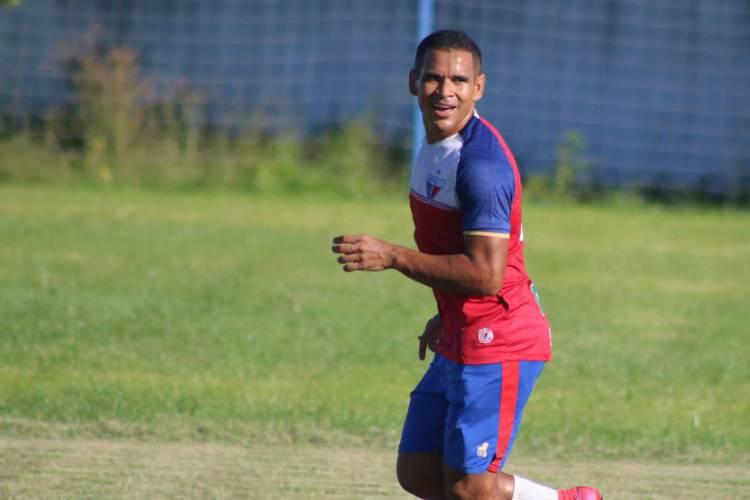Ederson no primeiro dia de treino do Fortaleza após paralisação  (Foto: Bruno Oliveira/FortalezaEC)