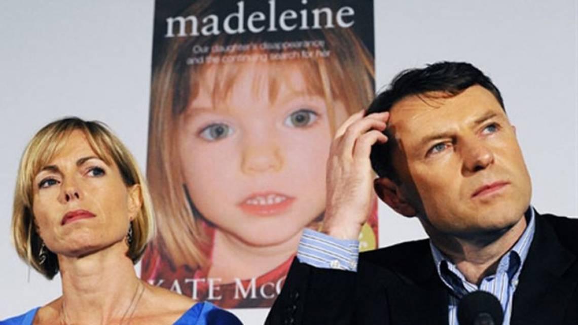 Entre os suspeitos, estiveram os pais de Maddie, após vestígio biológicos terem sido encontrados no carro alugado pela casal