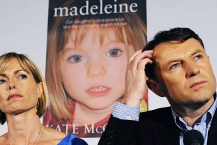 Entre os suspeitos, estiveram os pais de Maddie, após vestígio biológicos terem sido encontrados no carro alugado pela casal (Foto: AFP)