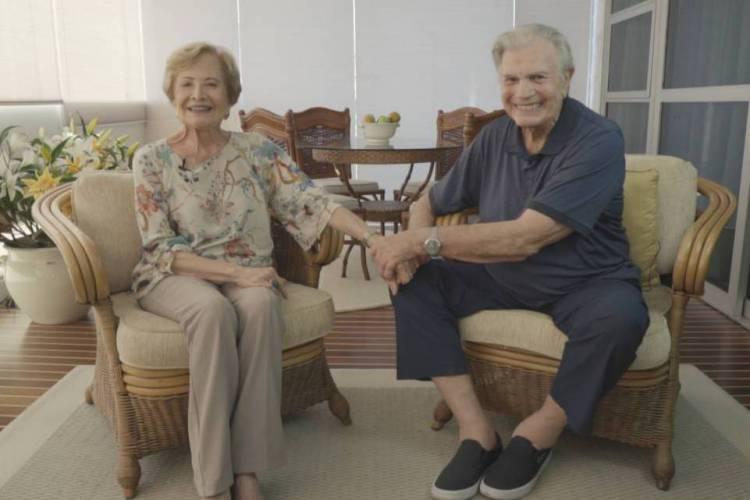 Tarcísio Meira e Glória Menezes são um dos mais famosos casais da televisão brasileira (Foto: Divulgação/Viva)