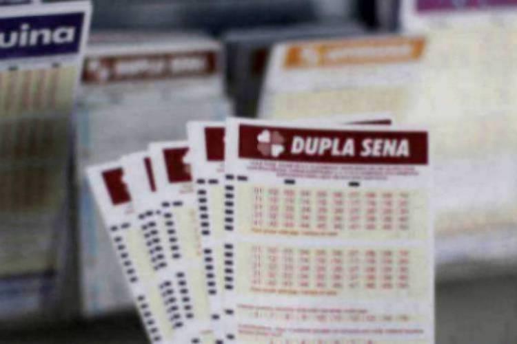 O resultado da Dupla Sena Concurso 2088 será divulgado na noite de hoje, sábado, 6 de junho (06/06) O valor do prêmio da loteria está estimado em R$ 3,5 milhões (Foto: Deísa Garcêz)
