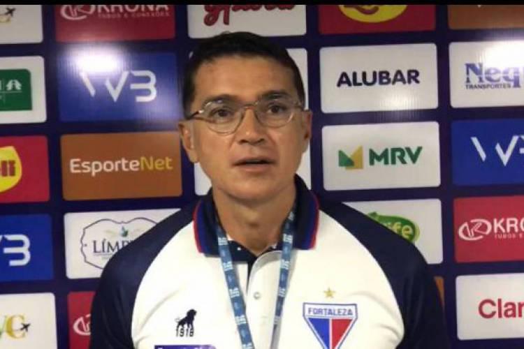 Cláudio Maurício ainda falou sobre o protocolo seguido pelos jogadores no dia a dia  (Foto: Reprodução/Fortaleza EC)