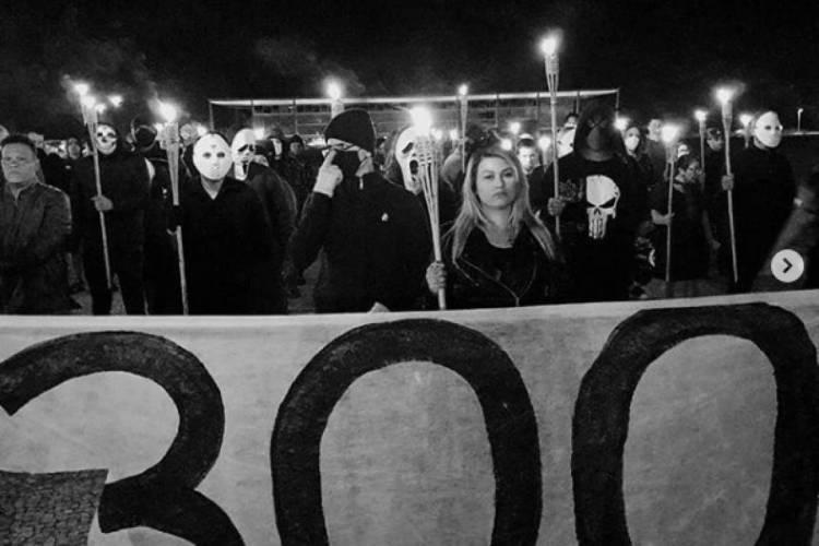 o grupo '300 do Brasil' marchou na capital federal  (Foto: REPRODUÇÃO INSTAGRAM 300 DO BRASIL)