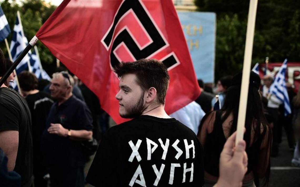 Símbolos nazi-facistas em manifestações pelo mundo