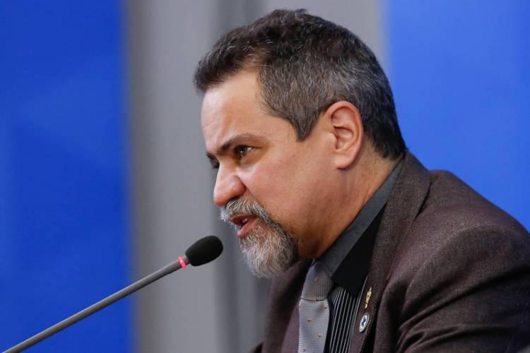 Elcio Franco, secretário-executivo do Ministério da Saúde, anunciou novas mudanças na divulgação de boletim diário sobre o coronavírus no Brasil (Foto: Anderson Riedel/PR)