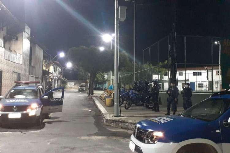 Imagens mostram atuação da Guarda Municipal  (Foto: Via WhatsApp O POVO )