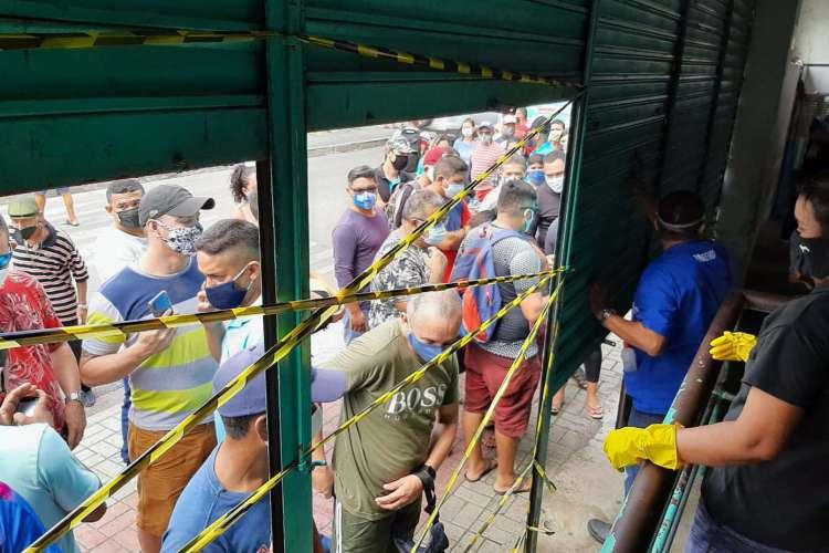 Centro comercial foi fechado na manhã desta quarta (Foto: Sesa/Divulgação)
