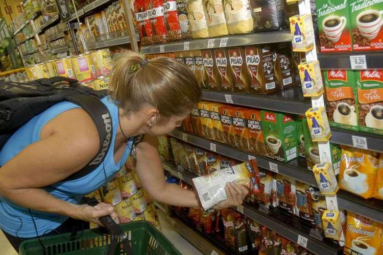 Preço de cesta de compras para famílias com renda mais baixa cai 0,25% (Foto: )