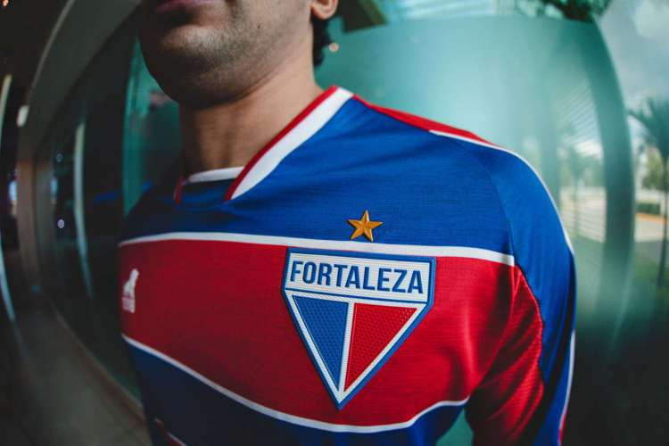 Camisa Tradição é o uniforme número 1 do Fortaleza (Foto: Gustavo Simão/Fortaleza)