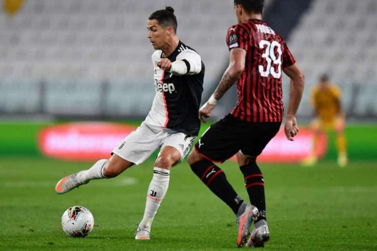 Cristiano Ronaldo perdeu um pênalti no primeiro tempo  (Foto: Miguel Medina/AFP)