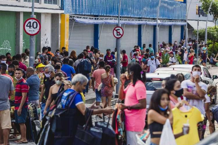A INFORMALIDADE reduziu no País e pode significar menos pessoas trabalhando (Foto: FOTOS Aurélio Alves)