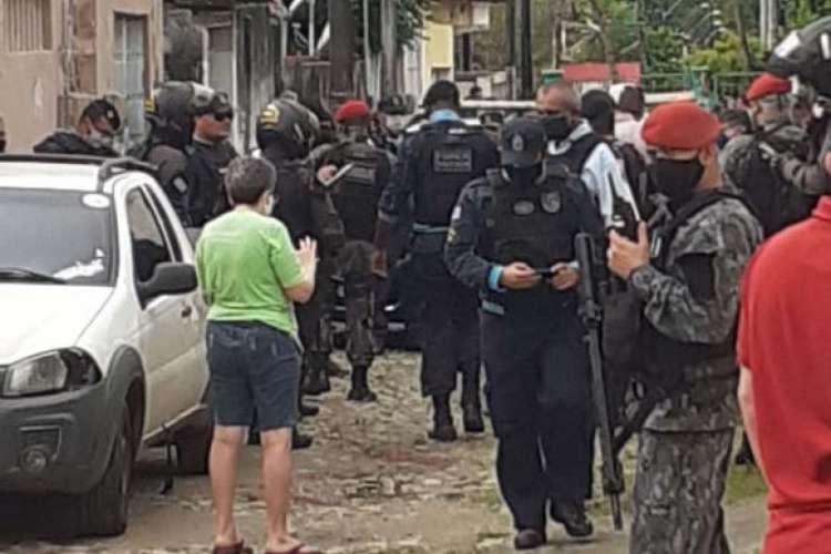 Policiais foram até o local do crime que vitimou o soldado Campos  (Foto: WhatsApp O POVO)