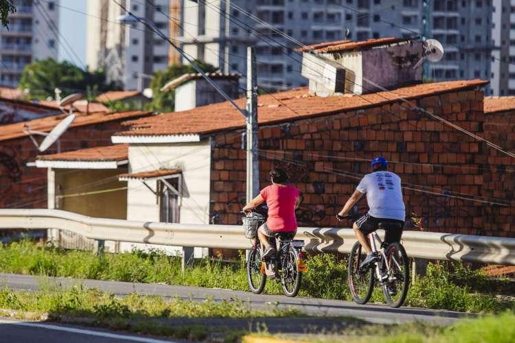 Movimentação no bairro Messejana, que teve briga entre facções na comunidade Pôr do Sol.  Dados do Anuário abarcam 84% da população brasileira, distribuída em 20 estados. (Foto: Aurelio Alves/ O POVO)